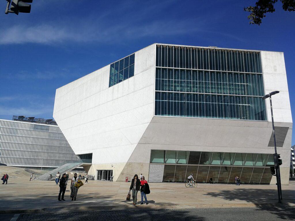 Casa de la Música del arquitecto Rem Koolhaas